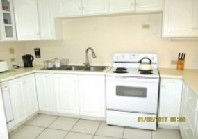 Townhouse for sale Cascade kitchen