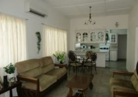 railway road arouca house for sale living room