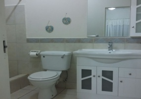 ascot gardens house for sale bathroom