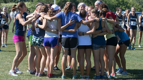 IC cross-country teams participate in annual Alumni Run ...