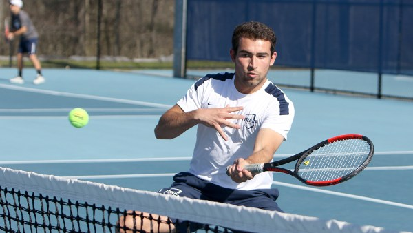 Men's tennis sweeps St. John Fisher College 9–0 | The Ithacan