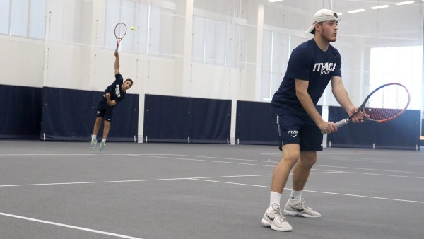 Men's tennis falls to Connecticut College 5–4 | The Ithacan