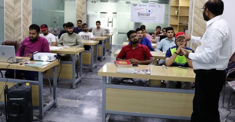 "02 workshop on ""Youth Social Entrepreneurship"""