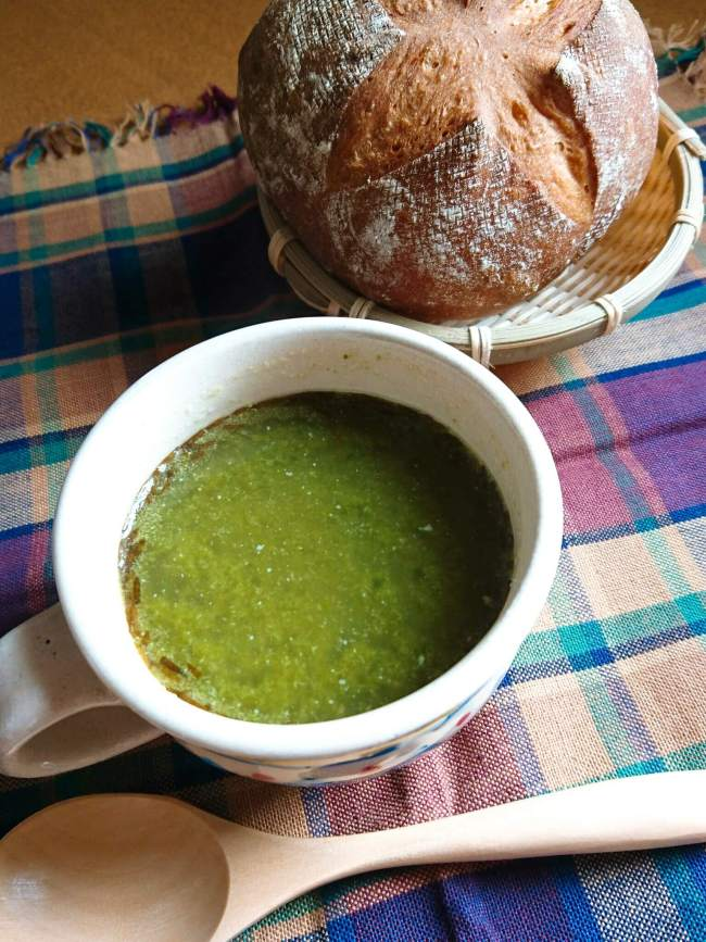 アカモク・セロリ・ベーコンのグリーンスープ