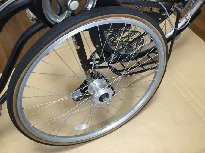 repair-puncture-bicycle-wheel