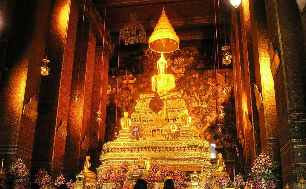Phra Ubosot in Wat Pho
