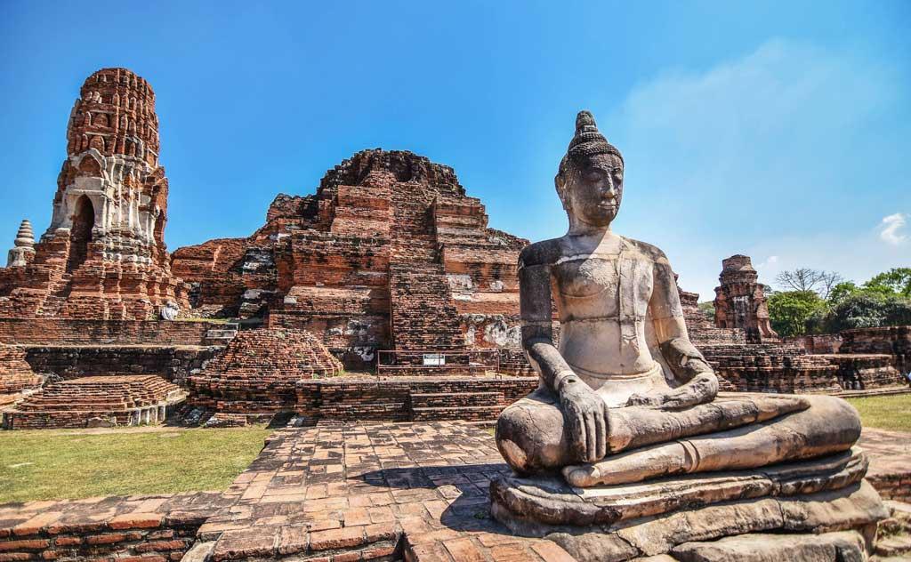 Day trip to Ayutthaya's ruins