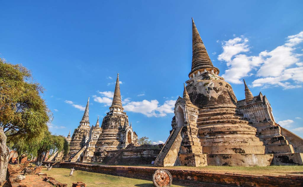 Famous Ayutthaya Temples - Wat Phra Si Sanphet's famous chedis