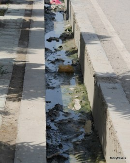 Open storm drains in pavements, Mazar