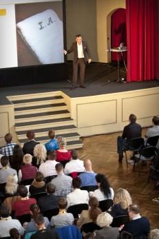 Keynote Speaker Redner Vortrag Verkaufstrainer