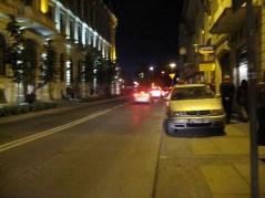 Nie ma słupków to będą auta. Problem taki, że jak ktoś tu zaparkuje to zostaje pół metra dla pieszych