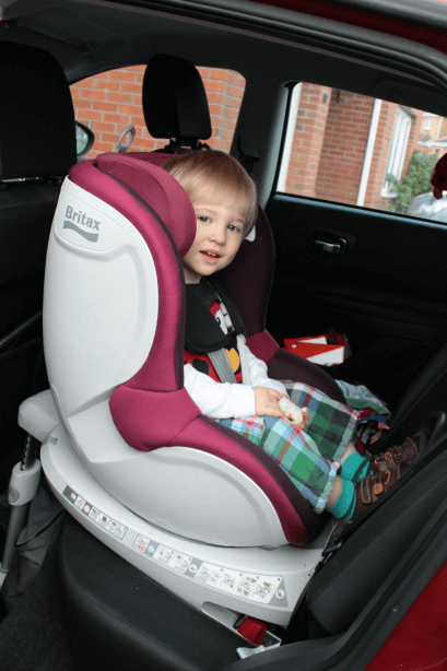 review britax dualfix car seat toby goes bananas. Black Bedroom Furniture Sets. Home Design Ideas