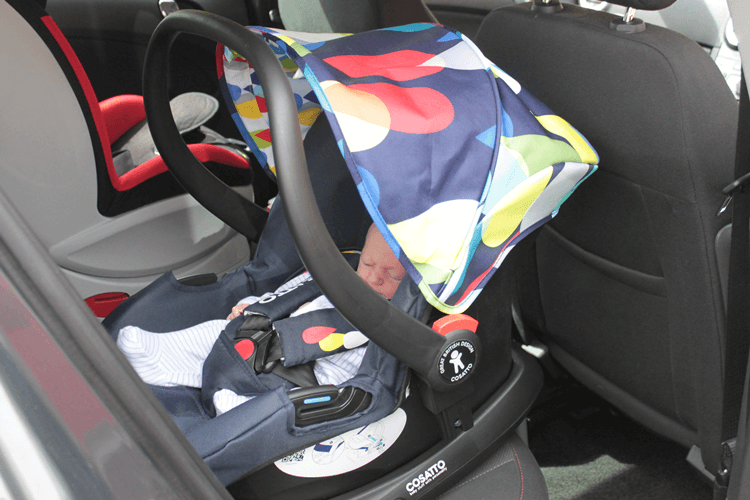 Hold car seat on isofix base