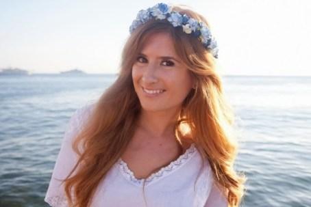 look-charo_ruiz-corona_de_flores-look_ibicenco-ron_barcelo-vive_ahora-ibiza-blue_marlin-a_trendy_life002