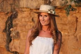 looks-outfits-street_style-vestido_blanco-canotier-cuñas-a_trendy_life-look_romántico-suiteblanco008