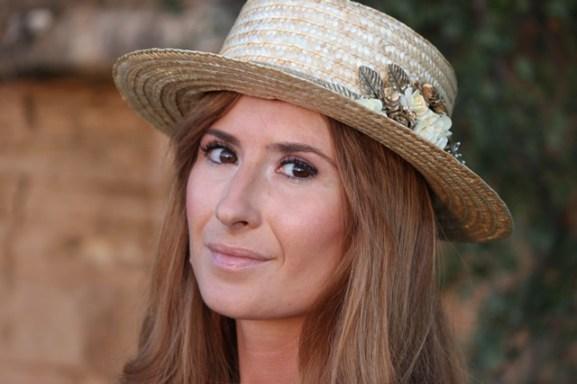 looks-outfits-street_style-vestido_blanco-canotier-cuñas-a_trendy_life-look_romántico-suiteblanco012