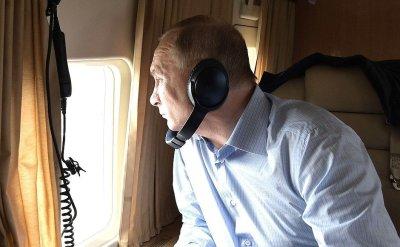 Путин посетил пострадавшую от наводнения Иркутскую область