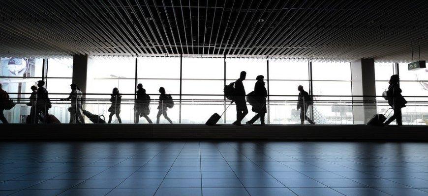 Власти новые - методы старые: Киев не будет восстанавливать авиасообщение с РФ