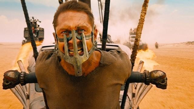 Tom Hardy en apuros, en 'Mad Max: Furia en el camino'.