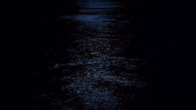 176739110-gales-luna-luz-brillar-reflejo