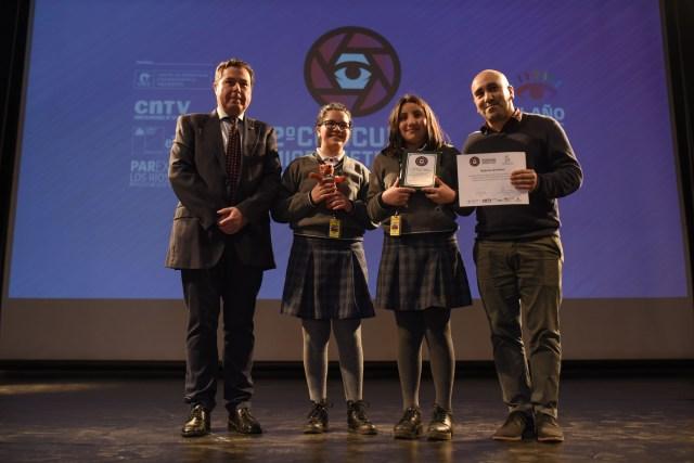 Concurso-de-Micrometrajes-Explora-el-Cine-Categoria-2do-Ciclo-Básico-La-isla-de-la-basura-de-Angela-Sobarzo-Francisca-Campos-Nélida-Quil-Escuela-México-de-Valdivia.