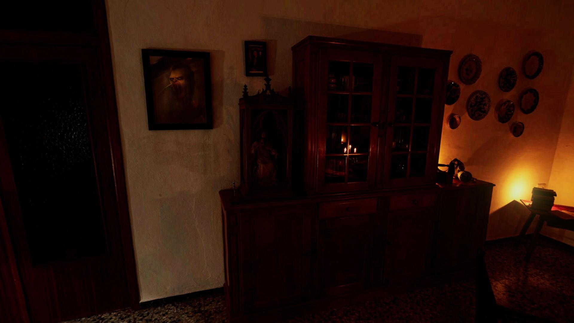 Un altar a medias cristiano a medias pagano en casa de la anciana