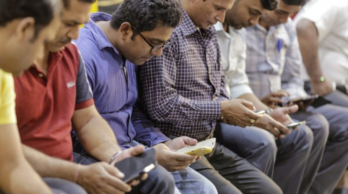 Smartphone usage increases in India