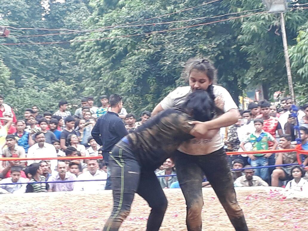 पूर्व प्रधानमंत्री अटल बिहारी वाजपेयी की याद में हुआ दंगल का आयोजन  