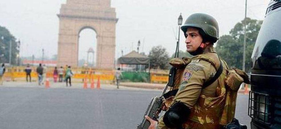 कश्मीर के मौजूदा हालात को देखकर तमाम राज्यो को सतर्क रहने को कहा गया, दिल्ली हाई अलर्ट