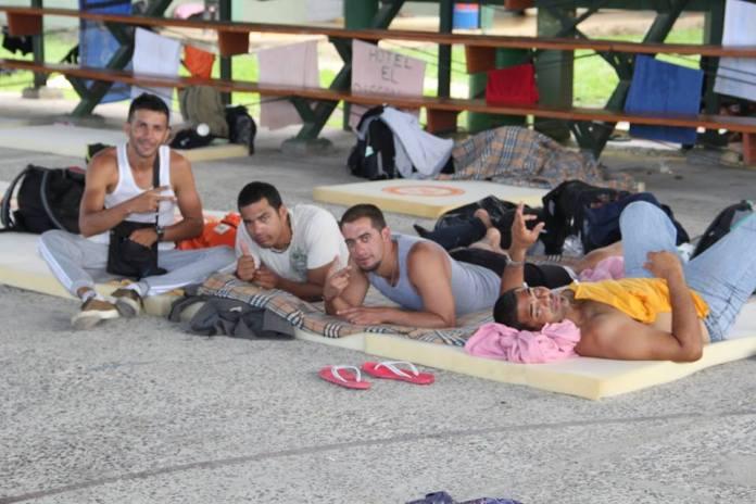 Stranded at Nicaragua border, Cuban migrants' American dream in peril