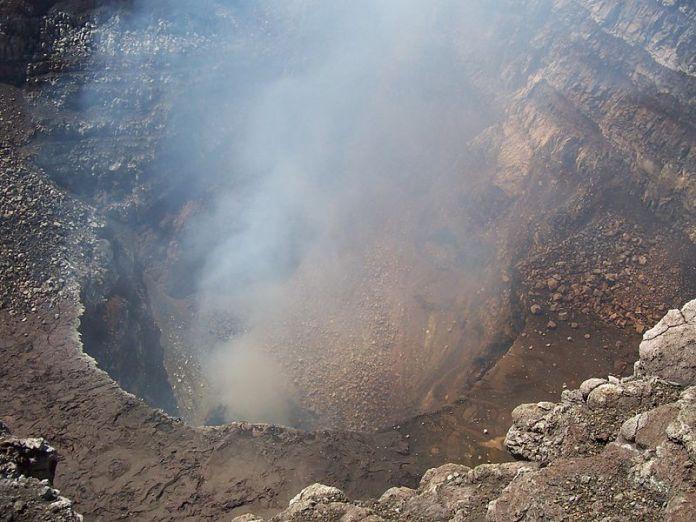 Crater_of_Masaya_Volcano_,_Nicaragua_-_panoramio