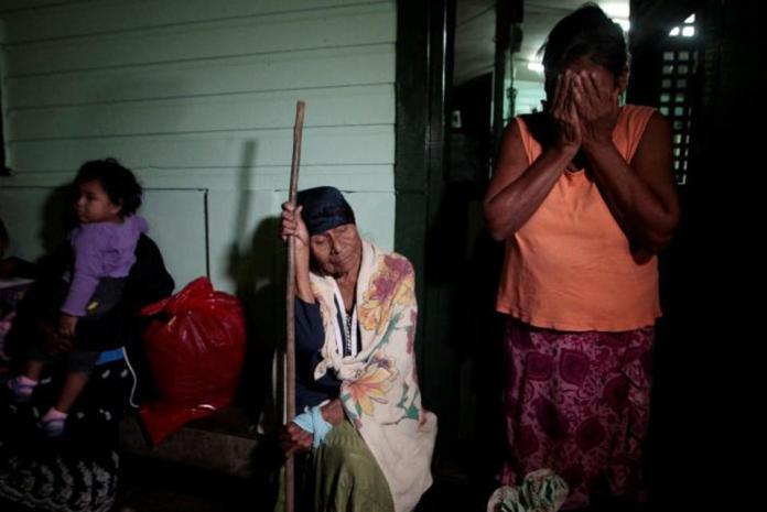 Hurricane Otto hits Nicaragua, Costa Rica as quake shakes region