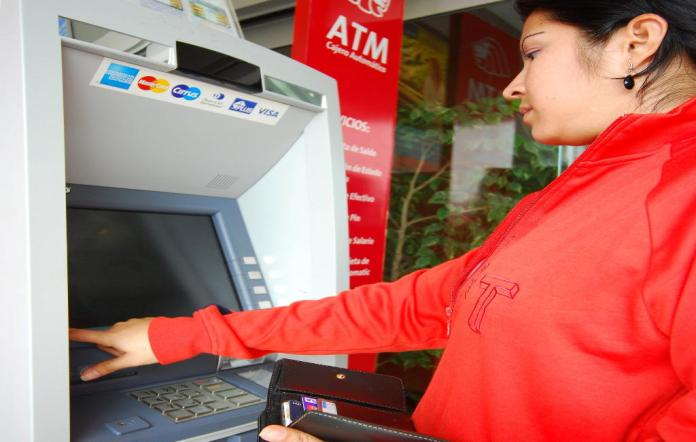 More Than US$400 Million Left The National Banks Due To Crisis