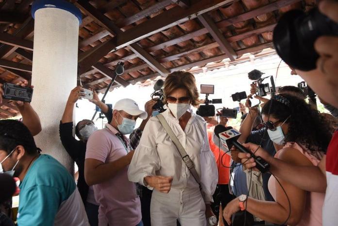 Daniel Ortega inhibits presidential candidate Cristiana Chamorro