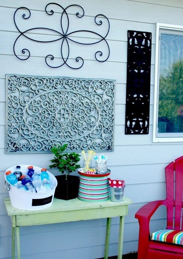 Outdoor Wall Art {DIY} | Today's Creative Life on Backyard Wall Decor Ideas  id=89559