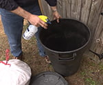 878-ss-using-ammonia-outdoor-trash-can-web
