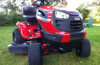 Who Makes Sears Craftsman Lawn Tractors and Riding Mowers for 2015? 3