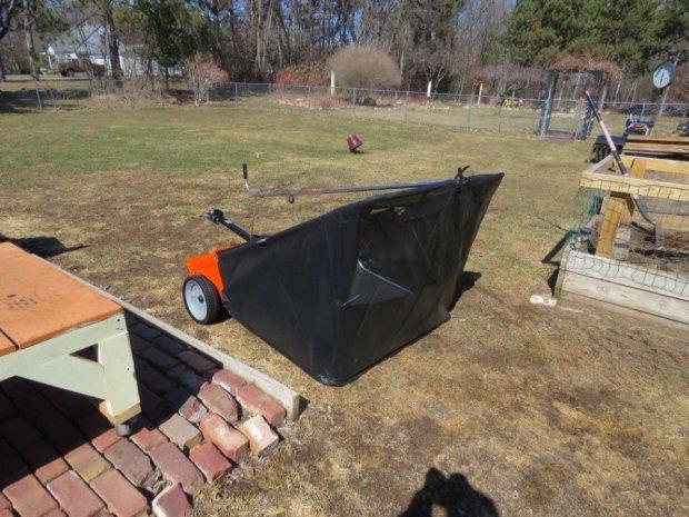 Agri Fab 44 Inch Lawn Sweeper