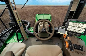 "John Deere says, ""Farmers Don't Own Their Tractors - We Do"" 6"