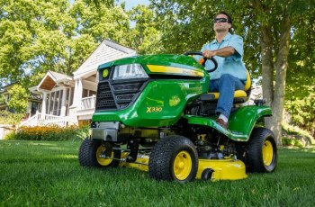 John Deere Enhances Residential Mowers for a Quick, Quality Cut 12