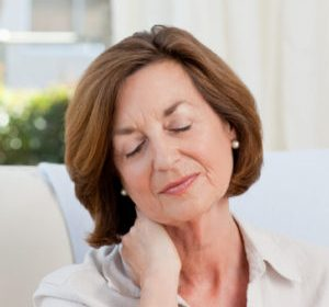 5 Tips to Combat Chronic Pain for Women Over 50 in Daily Life