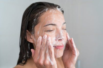 13 Ways You're Washing Your Face Wrong