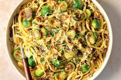 This Must-Try Vegan Pasta Dish Unexpectedly Features Brussels Sprouts