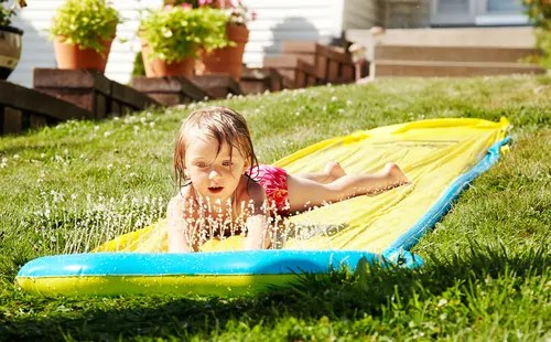 Four ideas for a fun water-filled summertime birthday party