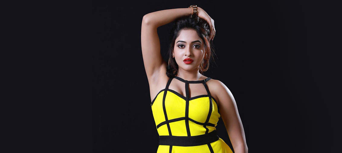 Sukruta Deshpande Hot Navel Photos Stills