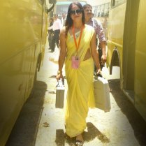 yellow_Saree_Women_photos (1)