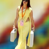 yellow_Saree_Women_photos (11)