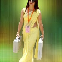 yellow_Saree_Women_photos (13)