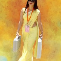 yellow_Saree_Women_photos (9)