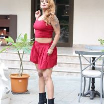 twinkle_kapoor_hot_tigh-photos (6)